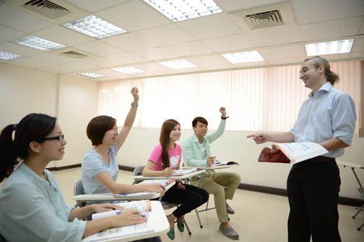 英文會話中小班制教學
